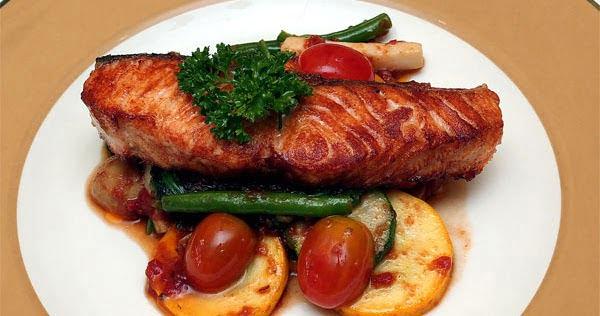 Cùng thưởng thức món cá hồi nướng rau củ