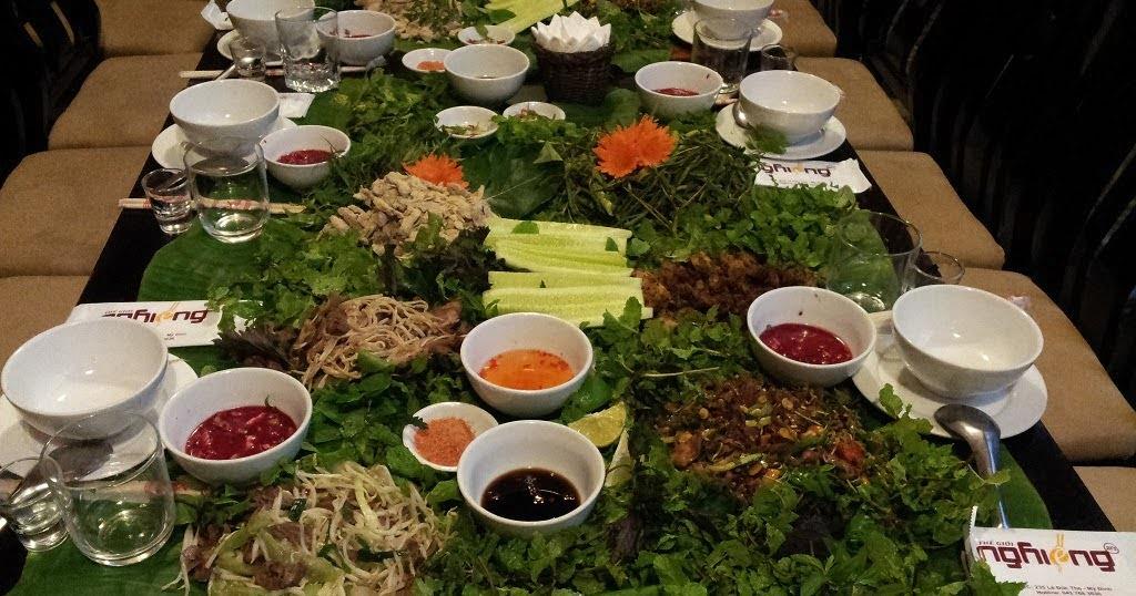 Thịt hươu đủ món bày lá chuối 0936535389