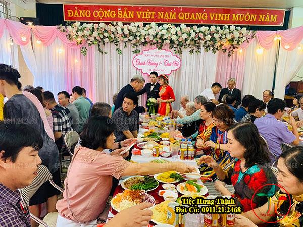 Dịch Vụ Nấu cỗ Ăn Hỏi ở Linh Đàm 10 mâm nhà chú Hùng