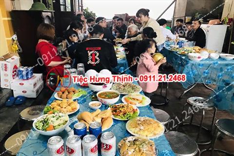 Phục vụ nhà chị Hương 8 mâm cỗ tiệc sinh nhật ở Hà Đông