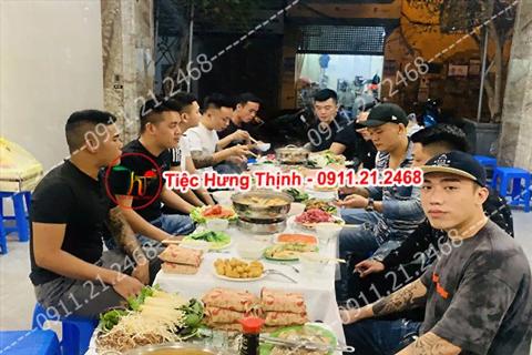 Phục vụ 5 mâm tiệc sinh nhật nhà anh Quang Hoàng Hoa Thám