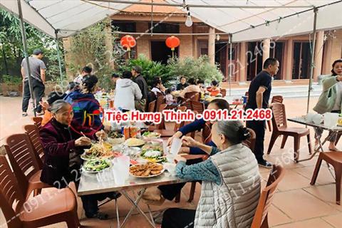 Phục vụ 10 mâm cỗ tiệc nhà chị Lan ở Thường Tín